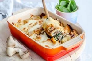 Палачинки с гъби, спанак и козе сирене, запечени с моцарела