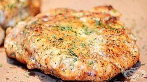 Пилешко филе в кашкавалена панировка на фурна