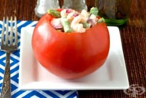 Пълнени домати с аспержи и скариди