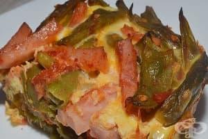 Зелен фасул с яйца и шунка на фурна