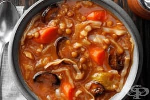Зелева супа с ечемик и зеленчуци