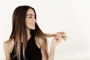 Погрижете се за боядисаната коса с 6 натурални средства
