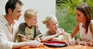 Приемните семейства и екипите по приемна грижа ще получават по-високо възнаграждение