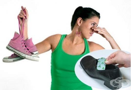 Как да се справим с неприятната миризма на краката с домашни средства - изображение