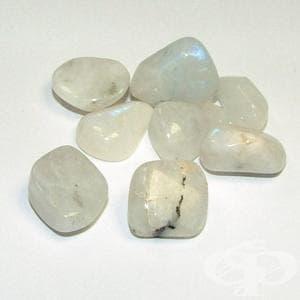 Лунният камък – емоционалност и хармония - изображение