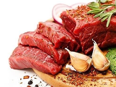 Червеното месо често е причината за рака на дебелото черво при жените - изображение