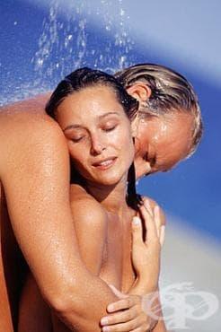 Правете секс през лятото само след душ с хладка вода