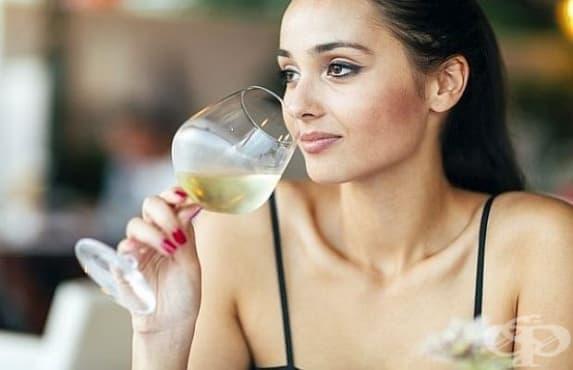 Алкохолната зависимост се отразява по-сериозно на жените, отколкото на мъжете - изображение