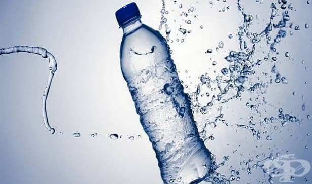 Бутилираната вода съдържа токсична микропластика - изображение
