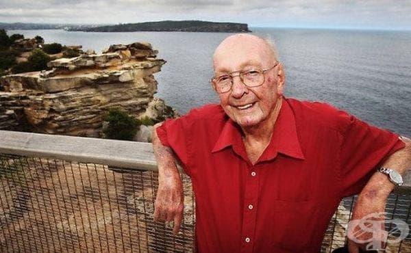 Човекът, който спаси стотици самоубийци с блага дума и усмивка - изображение