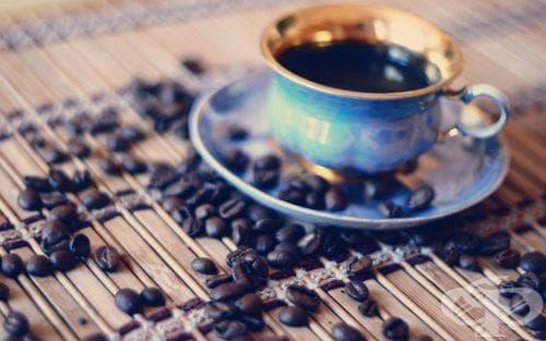 Цветът на чашата променя вкуса на кафето - изображение