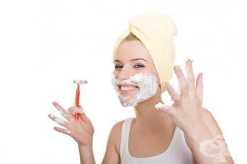 Дерматолози съветват жените да бръснат лицето си срещу бръчки - изображение