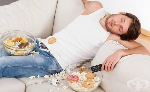 Откриха причината да ни се доспива след хранене - изображение