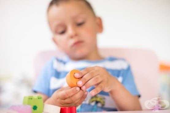 Двуезичието може да помогне на децата с аутизъм - изображение