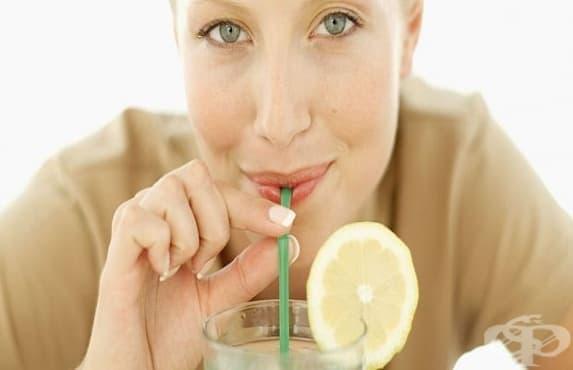Газираната вода вреди на зъбите, трябва да се пие със сламка - изображение