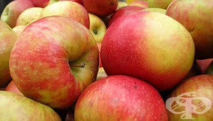 Проф. Мермерски: Намалете риска от инсулт и инфаркт с една ябълка дневно - изображение