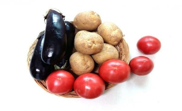 Храни като картофите, патладжана и доматите провокират хроничната болка - изображение