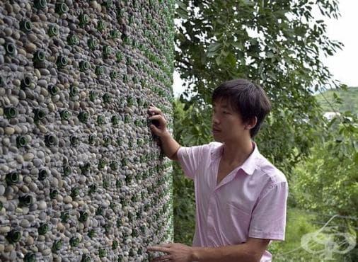 Китайски младеж построи сграда от... бирени бутилки - изображение