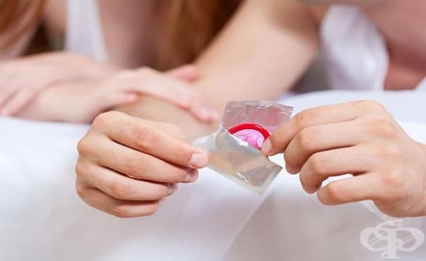 Мъжете са по-склонни да не ползват кондом, когато са с красива жена - изображение