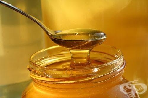 Универсалната рецепта с мед, орехи и лимони на проф. Мермерски - изображение
