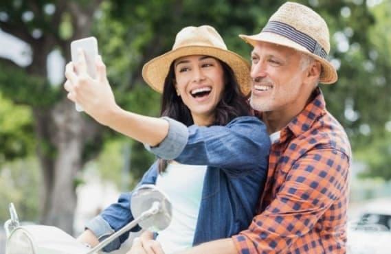Противно на стереотипа възрастните мъже предпочитат по-зрели жени - изображение