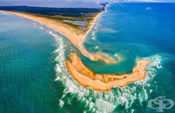 Нов остров с форма на полумесец се появи край бреговете на Северна Каролина - изображение