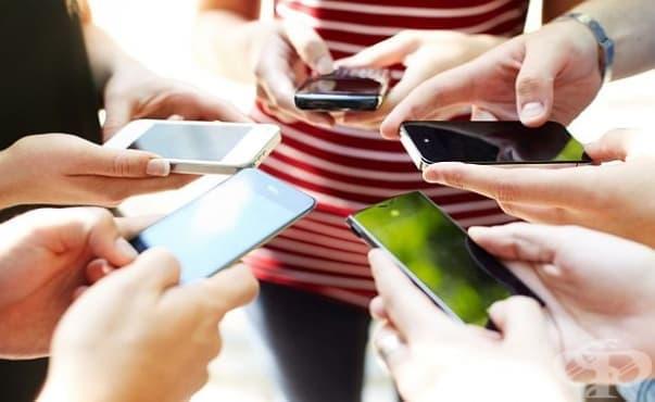 Излъчваните от мобилните телефони вълни не предизвикват рак - изображение