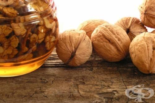 Еликсир от мед и орехи - народната рецепта - изображение