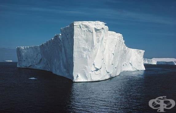 Рекордно голям айсбер се откъсна от Антарктида - изображение