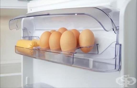 Яйцата не трябва да се съхраняват във вратата на хладилника - изображение
