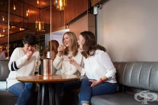 Три жени, едно радиошоу и една диагноза - рак - изображение