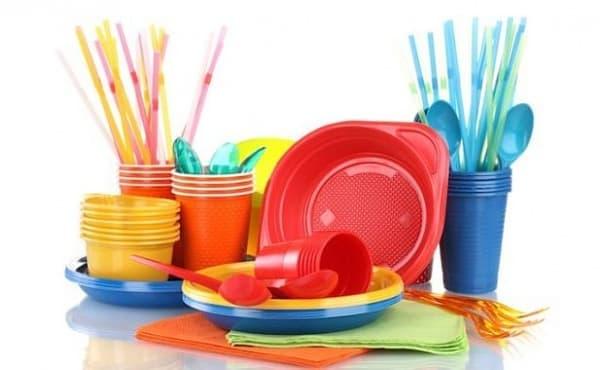Вериги магазини и ресторанти ще спрат предлагането на пластмасови продукти за еднократна употреба - изображение