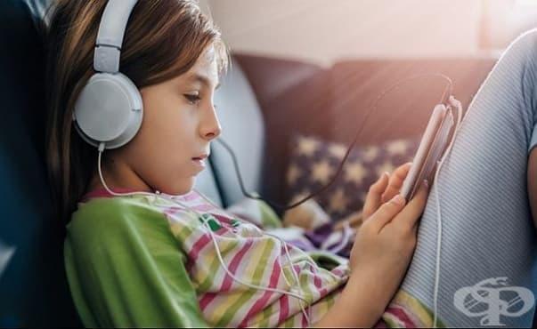 Портативните музикални плейъри могат да доведат до загуба на слуха при децата - изображение