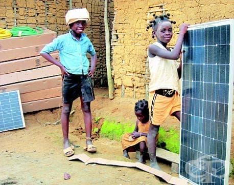 Соларната енергия помага на децата от Африка и техните семейства - изображение
