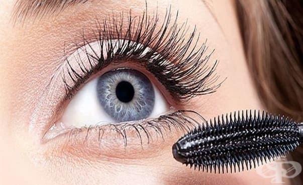Жена едва не загуби зрението си заради нередовно почистване на очната си спирала - изображение