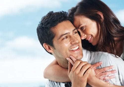 Комплиментите са по-важни за жените от скъпите подаръци - изображение