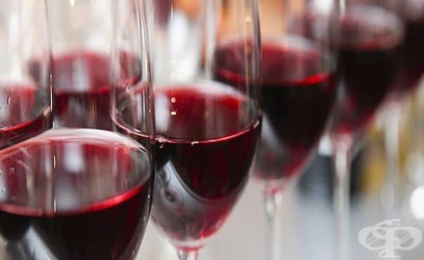Червеното вино влошава състоянието на кожата при розацея - изображение