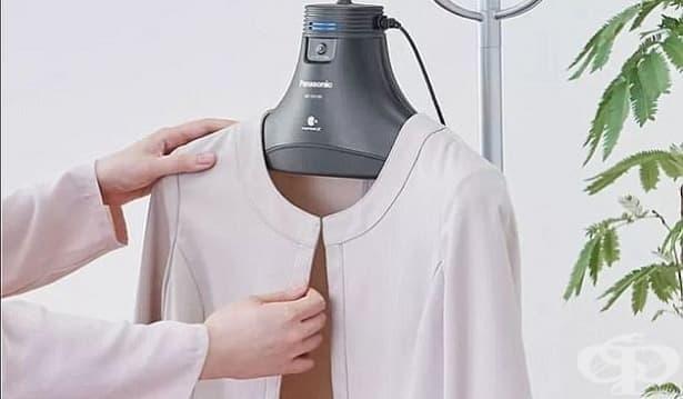 Изобретиха закачалка, която премахва неприятни миризми и полени от дрехите - изображение