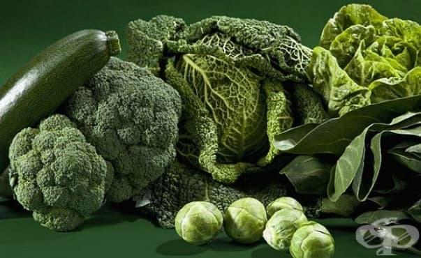 Яденето на зелени листни зеленчуци през бременността предпазва бебето от астма  - изображение