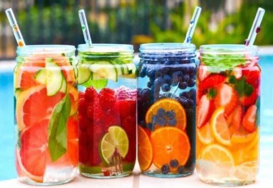 Плодова вода - безценен помощник в борбата с излишните килограми! - изображение