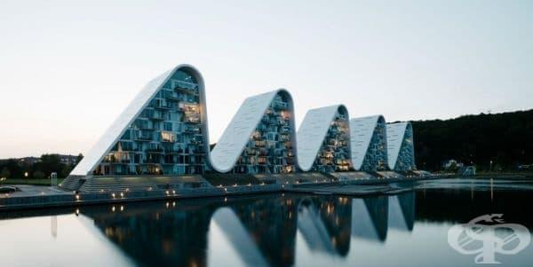 Вълнообразни сгради в градския пейзаж на Дания - изображение