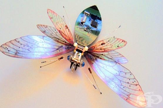 Творец трансформира стари компютърни части в скулптури на насекоми - изображение