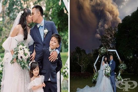 Влюбена двойка сключи брак на фона на изригващия вулкан Таал - изображение