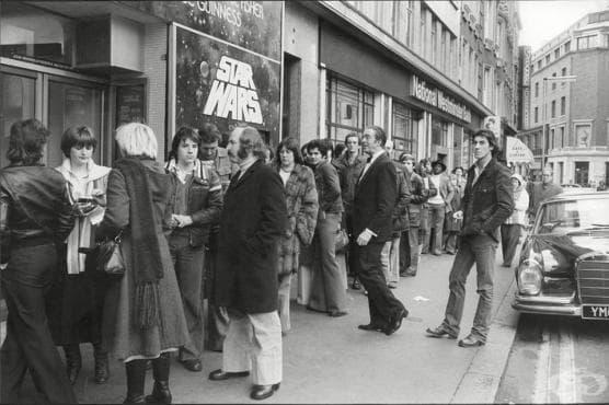 """Пред киното, Лондон, 1977...премиера на """"Междузвездни войни"""" - изображение"""