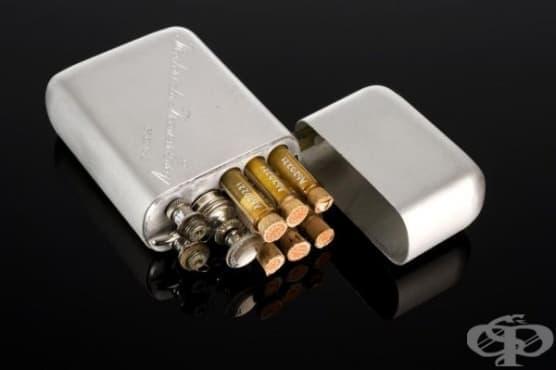 Хиподермална спринцовка с медикаментозни ампули - изображение