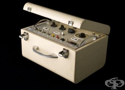 """Поява на кардиостимулатора """"Glamorgan"""", ползван от 1956 до 1966 година - изображение"""
