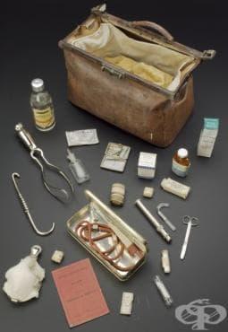 Акушерска чанта и пособия от 1925г.  - изображение