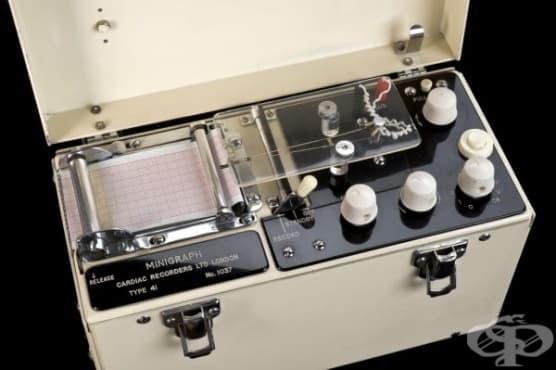 Английски електрокардиограф от 1970 година - изображение