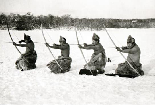 Племето Она - номадите, които плуват голи в ледените води на Южна Аржентина - изображение