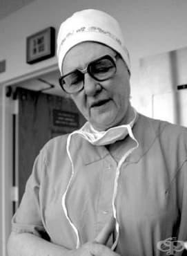Доктор Бенджи Брукс и медицинската й практика в областта на педиатричната хирургия - изображение